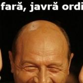Visul lui Basescu implinit in Piata Universitatii: Bannere si pancarte istorice
