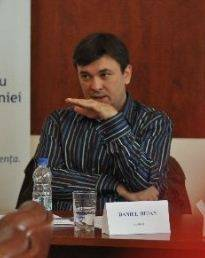 De ce sunt romanii fascinati de Basescu, un dezgustator traficant de jeg si minciuni