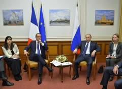 Presedintele rus, Vladimir Putin, si cel francez, Francois Hollande, s-au intalnit sambata la Moscova