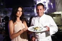 Ramona Badescu  a invatat  secrete culinare de la un bucatar chef  francez