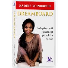 Nadine a scris o carte de dezvoltare personala!