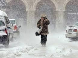 Cod portocaliu de ninsori si viscol in Bucuresti si alte 12 judete