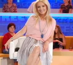 Simona Gherghe castiga 7.000 de euro lunar din emisiunea Acces direct de la Antena 1