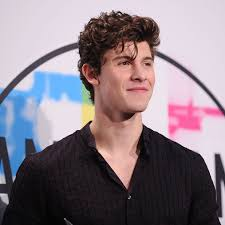 "Shawn Mendes lanseaza piesa ""Youth"""