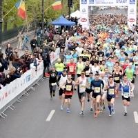 Aproximativ 7.000 de alergatori au luat startul la cea de-a patra ediție a  UNIQA Asigurari Bucharest 10k&FAMILY RUN