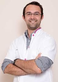 Dr. neurochirurg Horatiu Ioani este singurul roman detinator al titlului de Fellow al Colegiului Regal Britanic de Chirurgie care profeseaza in tara
